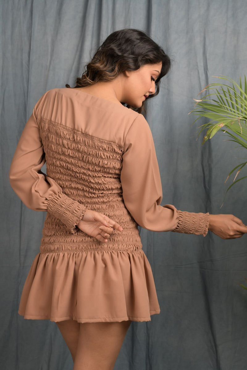 Smocking dress with balloon sleeve