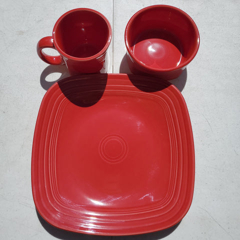 Fiesta 3 Piece Square Scarlet Place Setting AP49