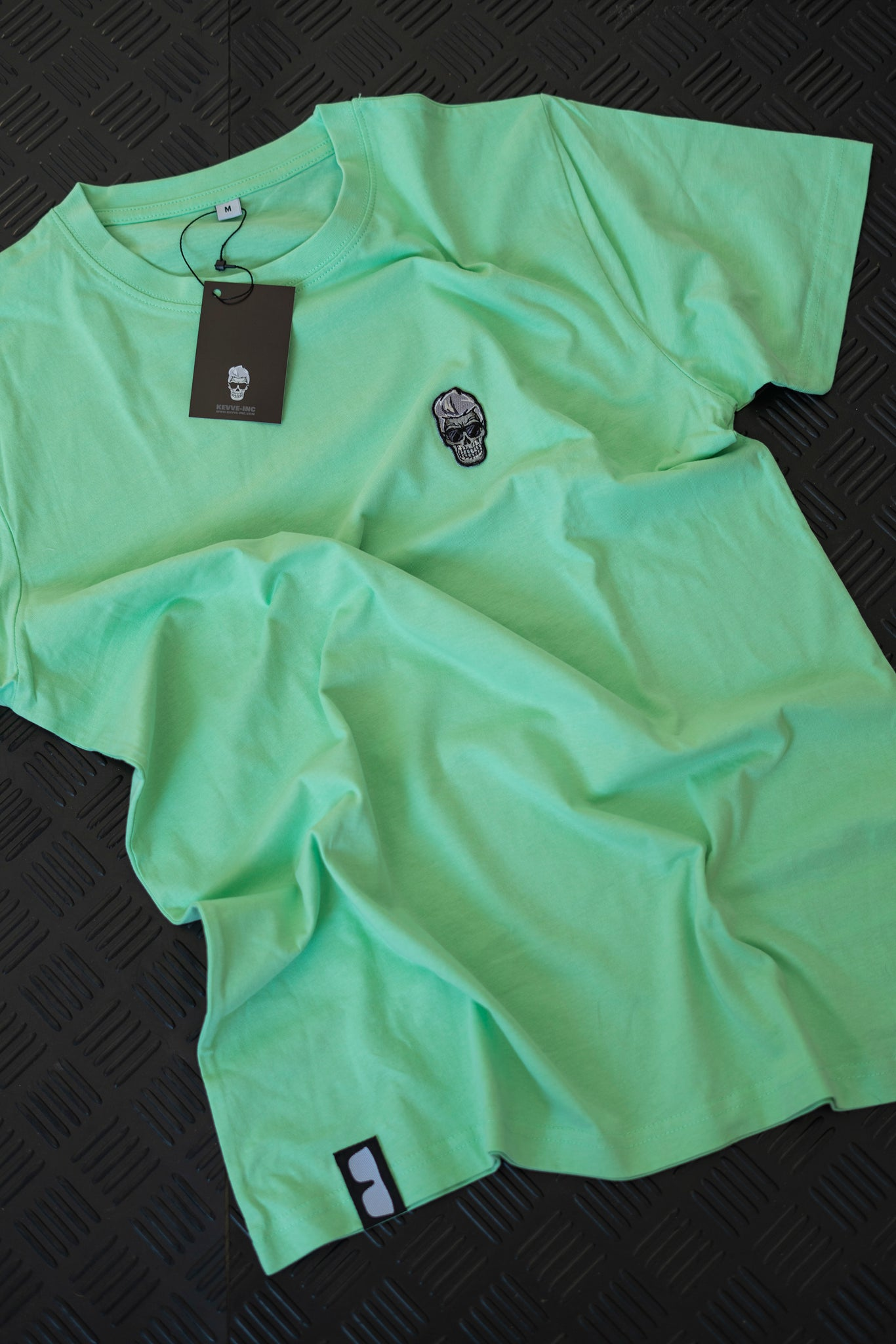 SIGNATURE SERIES T-SHIRT MINTY FRESH