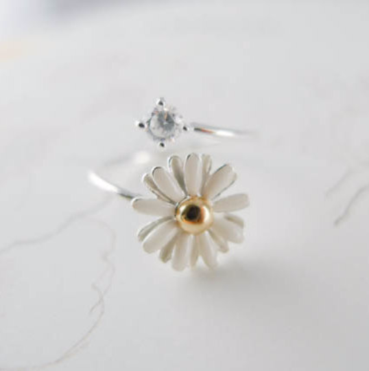 White Daisy Flower ring us size 5 - 9
