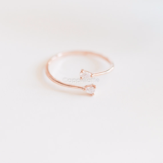 tiny double swarovski crystals ring in gold/ silver/ rose gold, minimal stone ring, rhinestone ring, bridal gift