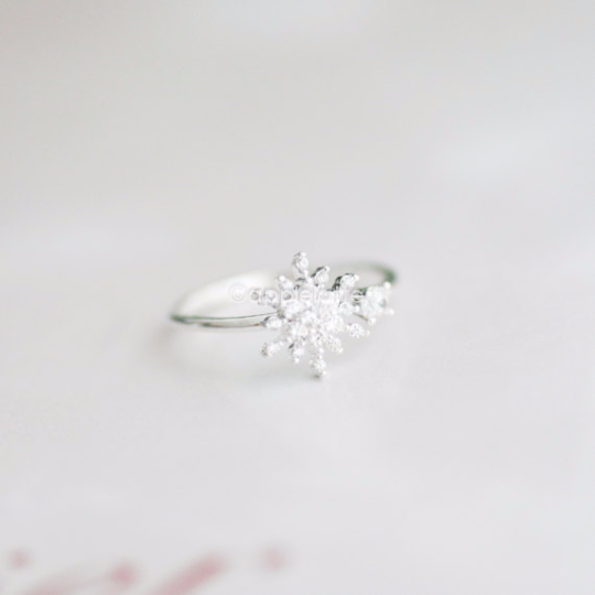 snowflake ring, white ring, Cubic Zirconia snowflake ring, bridal jewelry, Christmas ring, wedding jewelry, winter jewelry, bridesmaid gift