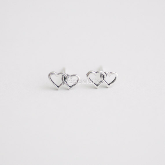 double heart earrings in sterling silver 925, heart post earrings, bridesmaid gift, everyday earrings, minimalist jewelry