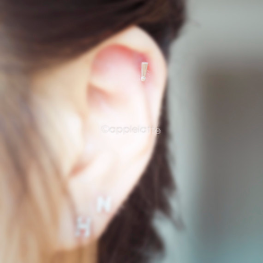 Exclamation Mark Cartilage Earring_P091