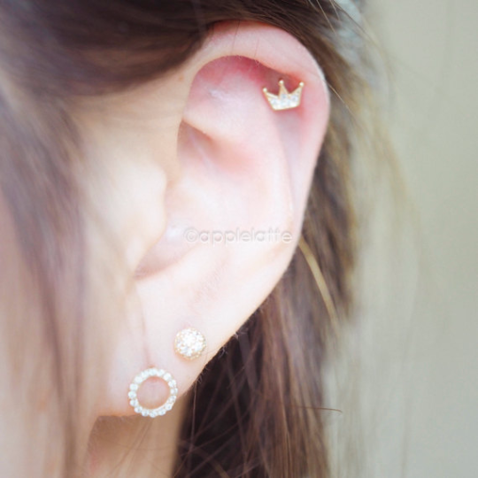 Crown Cartilage Piercing_P010
