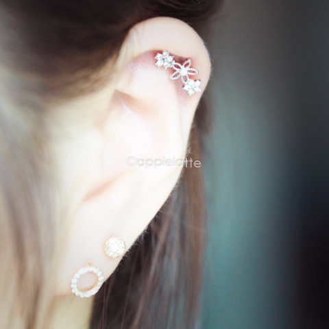 Shiny Flower Barbell Cartilage_P028