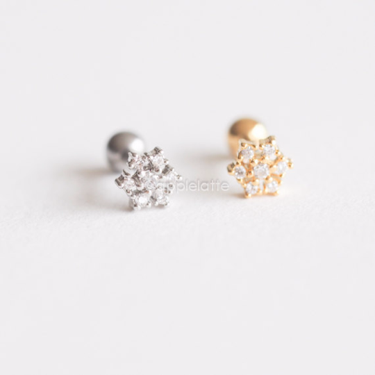 Flower Barbell Cartilage Piercing_P100