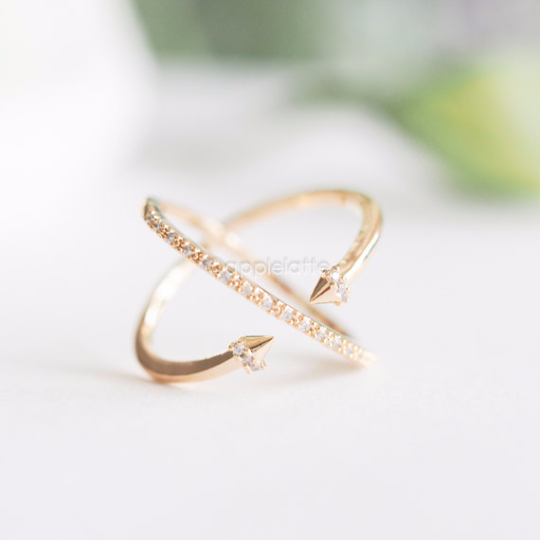 criss cross arrow ring, arrow ring, double sided ring, crystal criss cross ring, crossing ring, modern cross ring, x ring, minimal jewelry