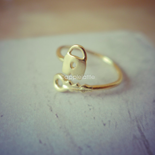 key lock ring, wrapped ring, adjustable ring, key ring, lock ring in silver or gold