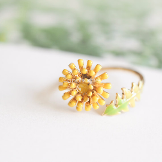Dandelion ring, Yellow ring, Dainty Flower ring, Floral Ring, sweet nature ring, yellow flower ring, bridesmaid gift, nature ring
