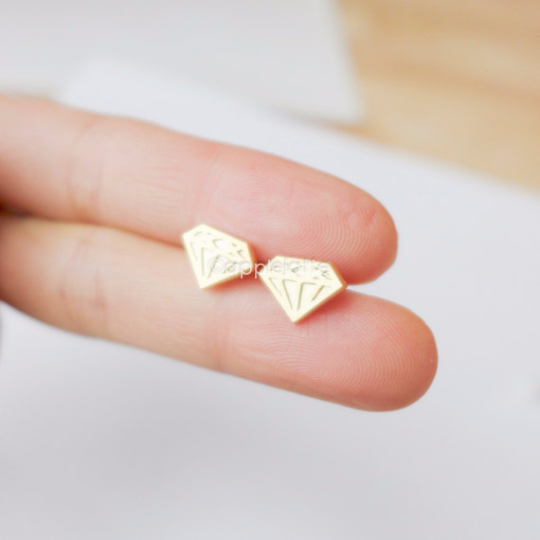 diamond shape earrings in gold or silver