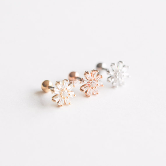 CZ Flower Cartilage Piercing_P035