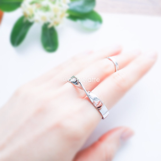 simple wave two Finger metal ring, double finger ring ,metal ring, modern ring, minimalist ring , simple ring, wave ring, layered ring