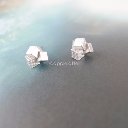 Tiny 3D cube block earrings in gold or silver, geometric post earrings_E009