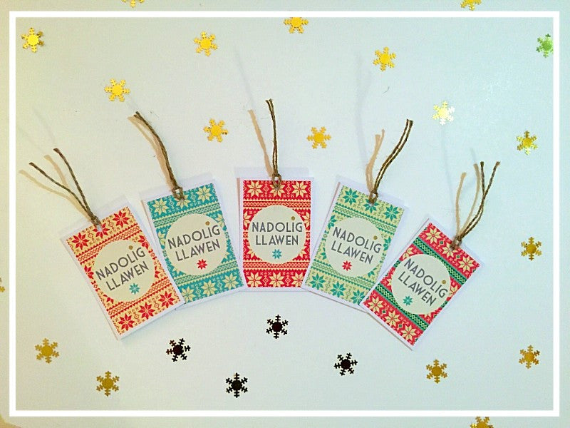 8 x 'Nadolig Llawen' Merry Christmas gift tags