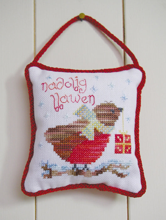 Nadolig Llawen robin cross stitch kit