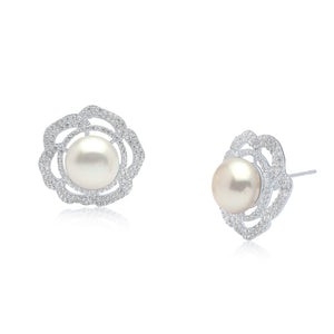 Emilia Pearl Earrings