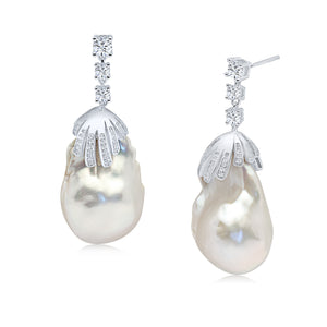 Mila Pearl Earrings