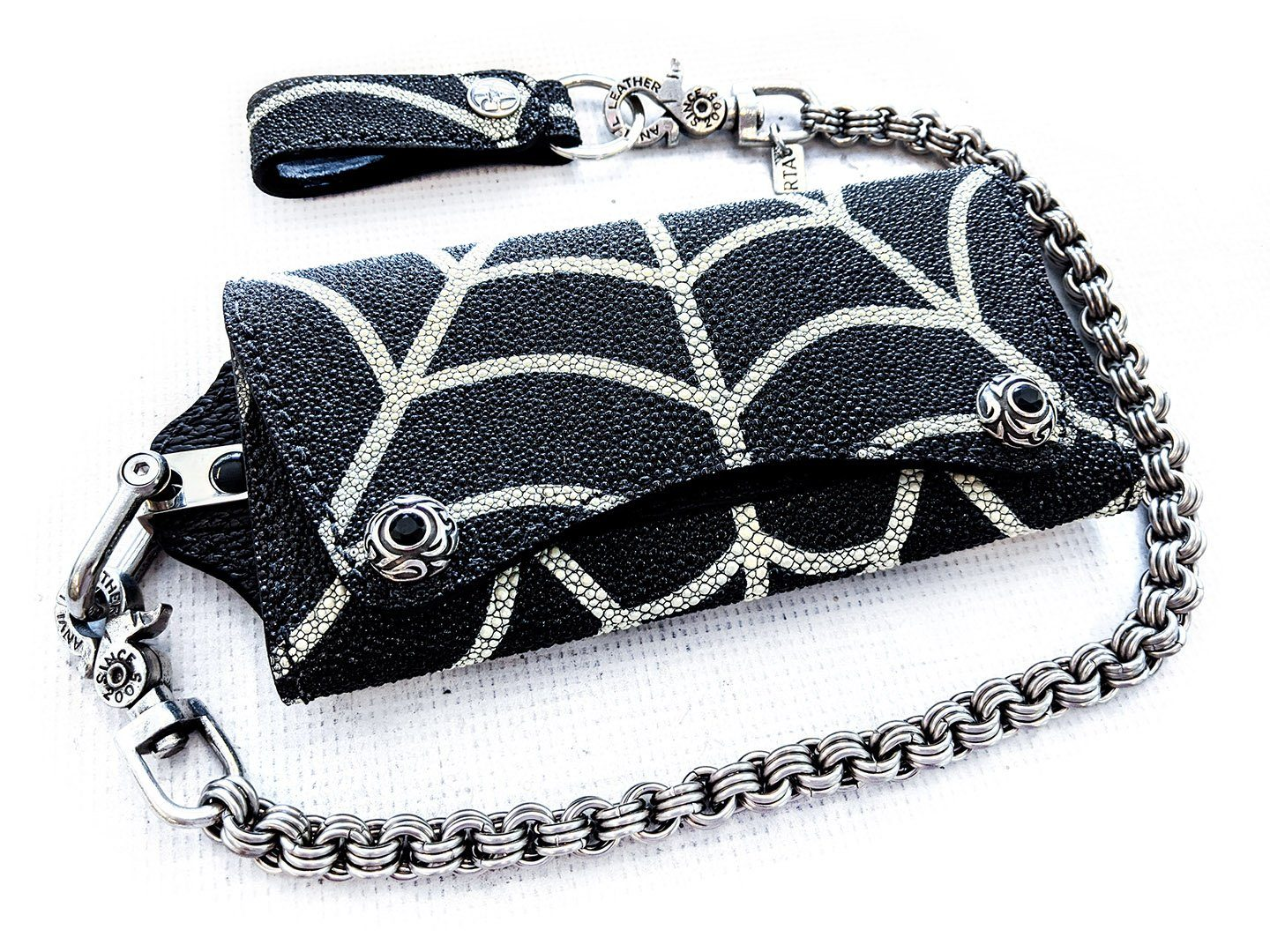 "Black Stingray ""Spider's Web"" Trucker Trifold with 3 In 3 Chain and Loop"