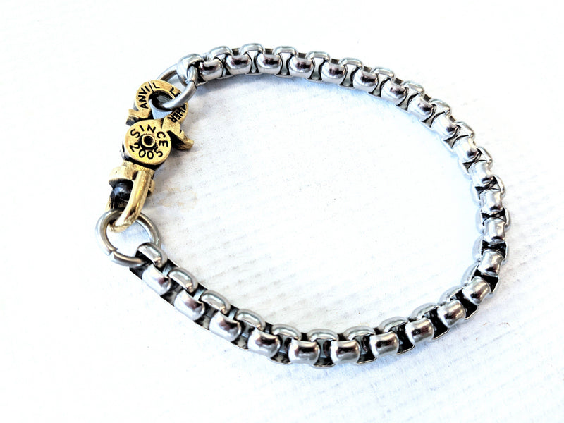 RyanTheAnvil Lucky Horseshoe Bracelet - Box Knot