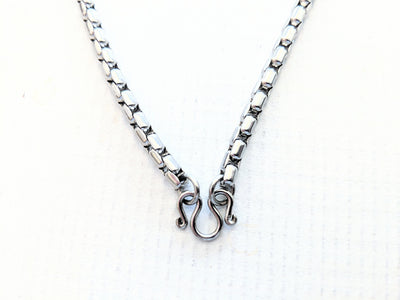Stainless Steel Chain Necklace - Box Knot