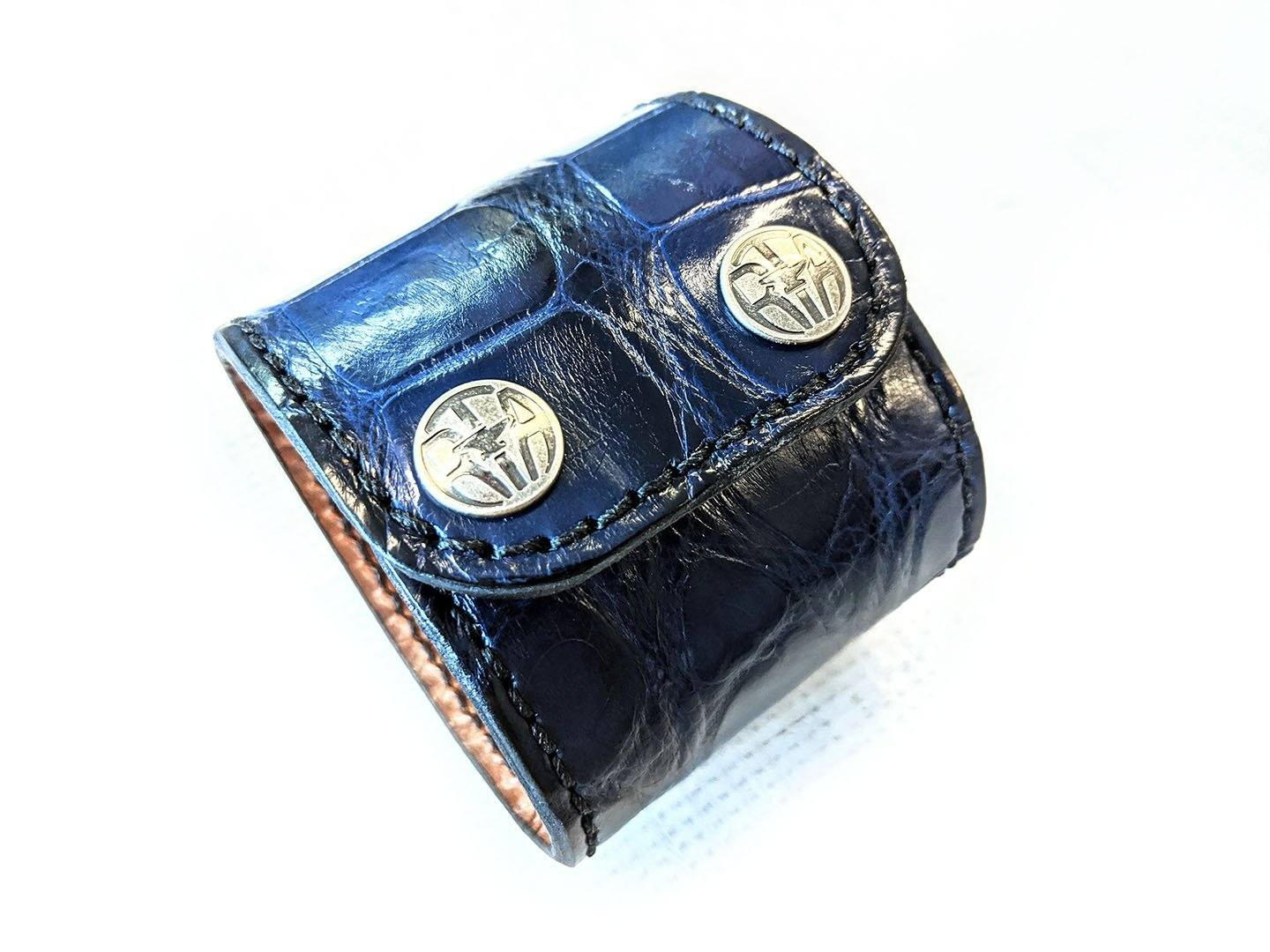 "Wide Leather Cuff - 9"" Navy Alligator - Anvil Customs"