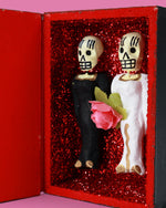 Amor Eterno Coffin, Bride and Bride