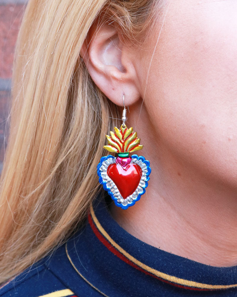 Flama Dorada Heart Earrings