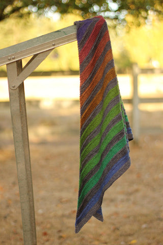 Self-striping shawl