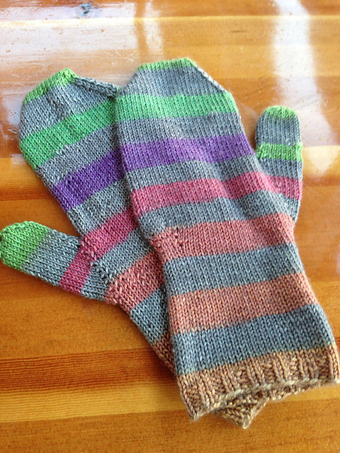 Linden Mittens by Jane Richmond : Concrete and Tulips self-striping yarn