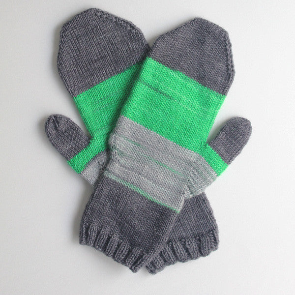 Linden Mittens by Jane Richmond : Green Light self-striping yarn