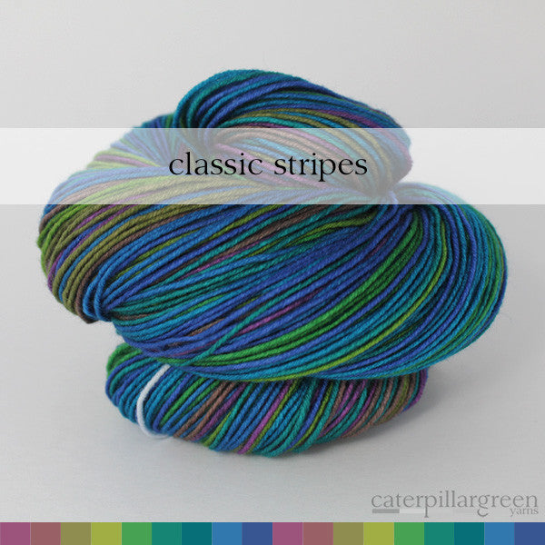 Peacock self-striping yarn