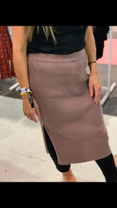 RIBBED MOCHA SKIRT