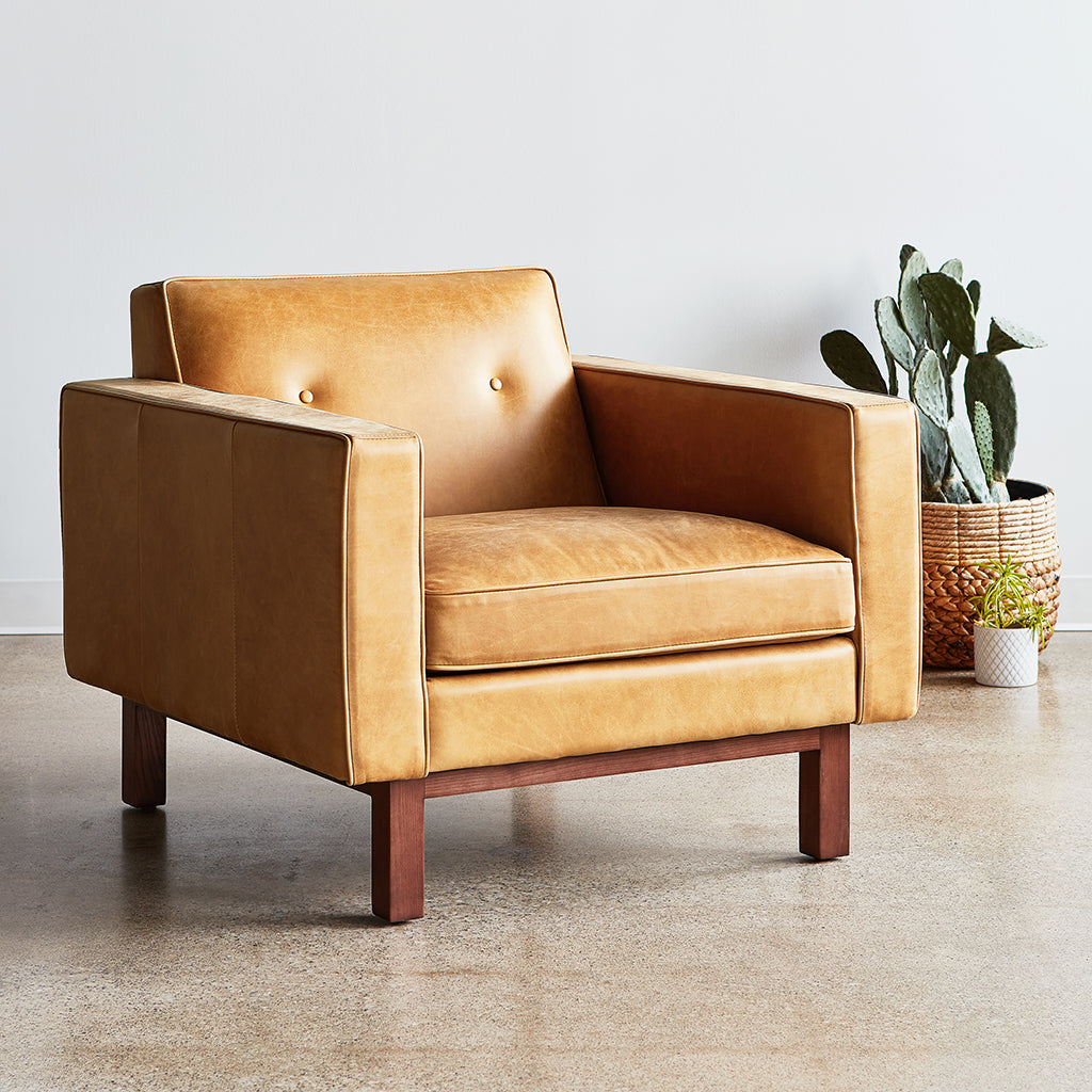 Embassy Chair | Saddle Brown Leather