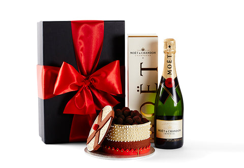 Cake and Moet French Champagne Gift Hamper by Glorieux Cadeau