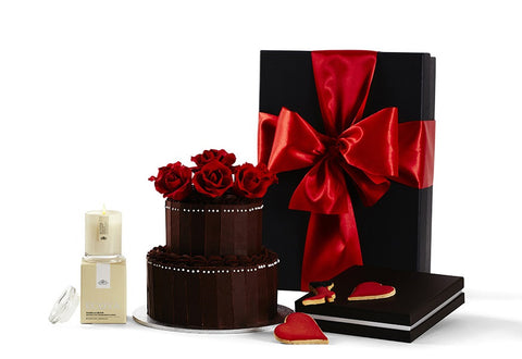 Love Story Gift Hamper by Glorieux Cadeau