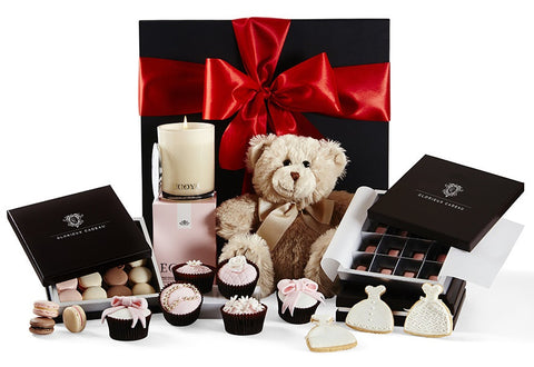 The Sweet Gift Hamper by Glorieux Cadeau