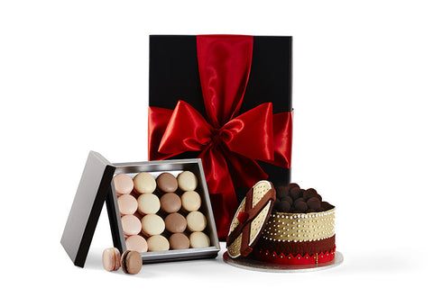 Cake and Macaroons Gift Hamper by Glorieux Cadeau