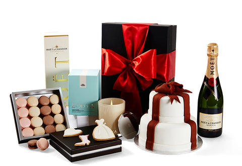 Deluxe Romance Gift Hamper by Glorieux Cadeau