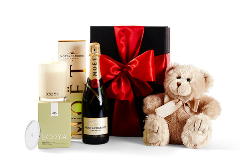 Lovely Gift Hamper by Glorieux Cadeau