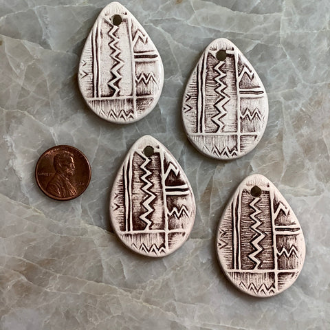 Ceramic Pendants - 40x30 Zig Zag - Natural - 4 pcs