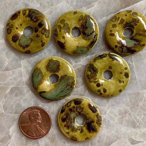 Ceramic Donut - Lime Leopard 26mm - 6 pcs