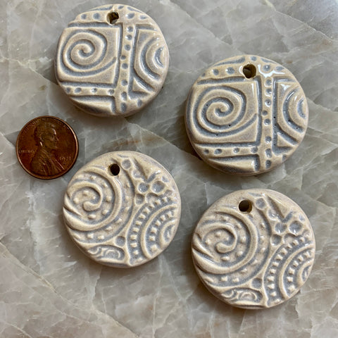 Ceramic Pendants - Round Spiral - Oyster Shell Dark - 4 pcs