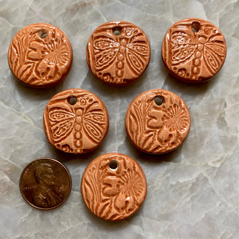 Ceramic Pendants - Dragonfly & Flower - Butter Toffee - 24m - 6 pcs