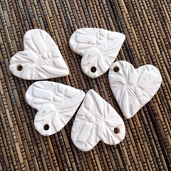 Ceramic Unglazed - 37x35m Bamboo Heart- 5 pcs