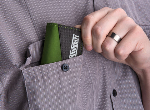 card-again-memory-wallets Slim design fits easily in your pocket