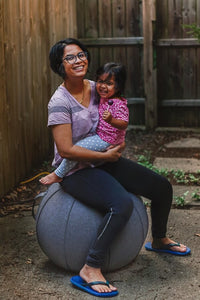 Vivora Luno sitting ball image with a mom and small child.