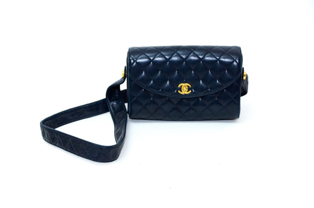 Chanel Navy Flap 23 cm