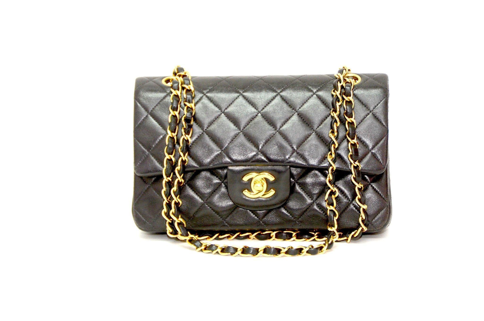 be4e17e4a82e44 Authentic Vintage Chanel 23cm Bag in Black Calf Leather with Gold Hardware