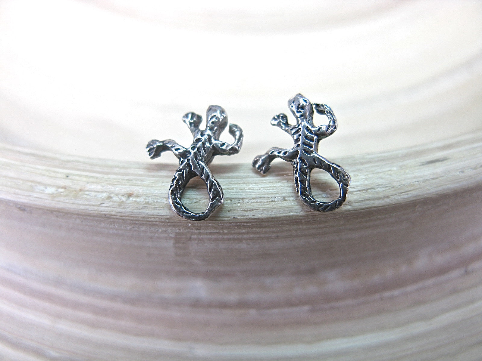 Gecko Stud Earrings 925 Sterling Silver Stud - Faith Owl